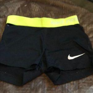 Black Nike Pros XS